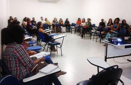 1º Ciência no Cras reúne servidores Porto Seguro BA